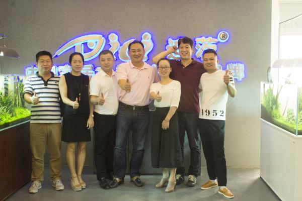 欢迎韩国客户第二次莅临迪茨公司